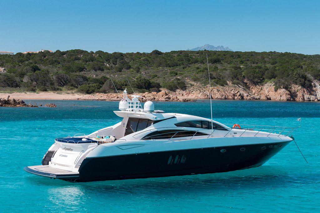 Sunseeker Predator 72 SNO Yachts